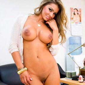 La actriz porno Esperanza Gómez es la nueva imagen del canal Venus